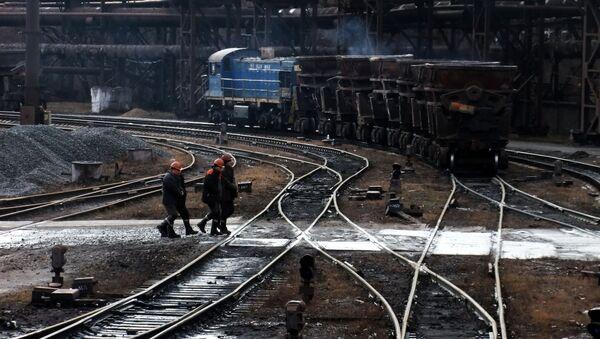 Jenakijevský hutní závod v Doněcké oblasti - Sputnik Česká republika