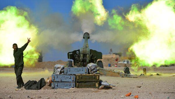 Ostřelování pozic IS na západě Mosulu - Sputnik Česká republika