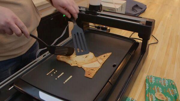 Robot peče bliny k masopustu - Sputnik Česká republika