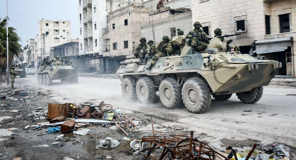 Inženýři Mezinárodního protiminového centra Ozbrojených sil Ruska v osvobozeném Allepu