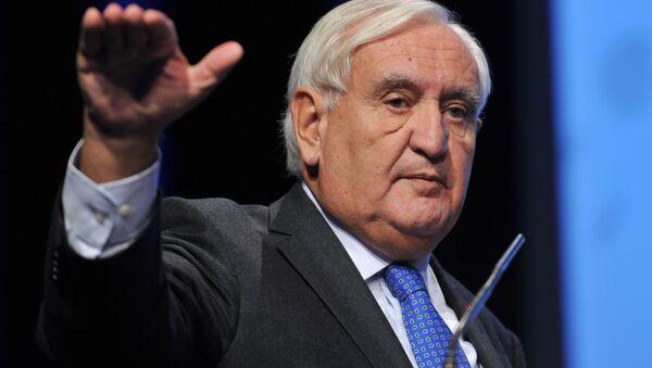 Předseda komise pro mezinárodní záležitosti, obranu a ozbrojené síly francouzského Senátu Jean-Pierre Raffarin - Sputnik Česká republika