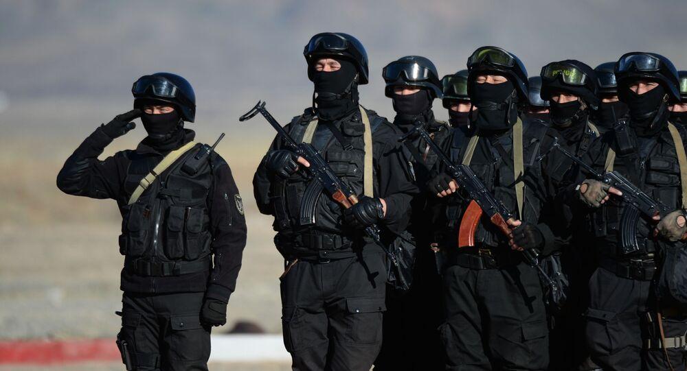Kyrgyzští vojáci během společných rusko-kyrgyzských cvičení Rubež 2016