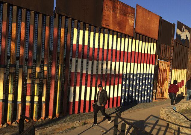 Hranice USA a Mexika
