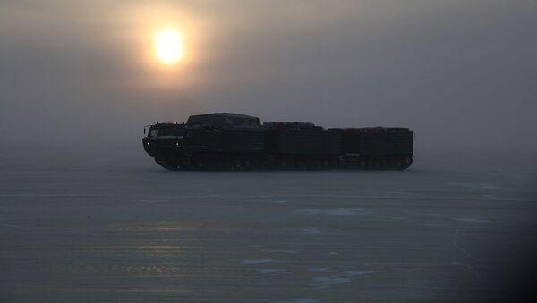 Zkoušky nejnovější vojenské techniky pro Arktidu - Sputnik Česká republika