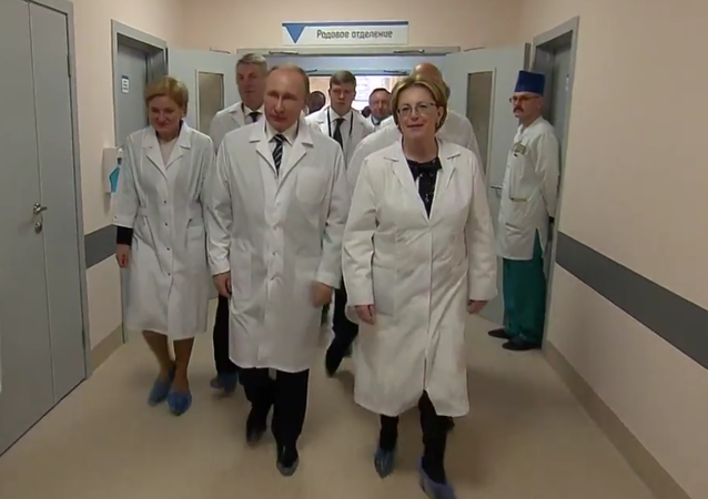 Putin navštívil nové prenatální centrum v Brjansku