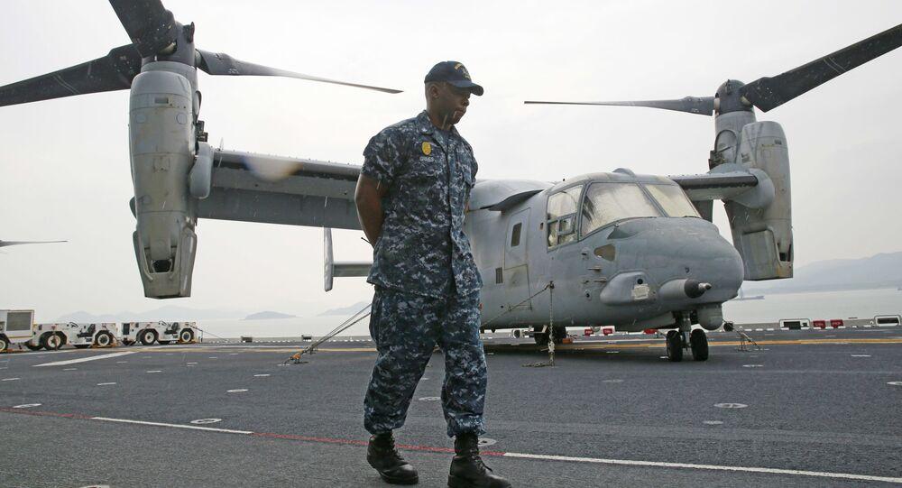 Americký voják na palubě USS Bonhomme Richard