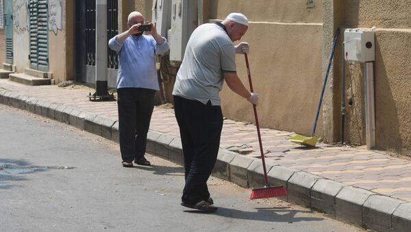 Ruští poutníci uklízejí ulici v Mekce během hadždže - Sputnik Česká republika