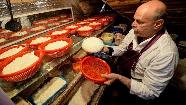 Výroba sýrů v Rusku - Sputnik Česká republika