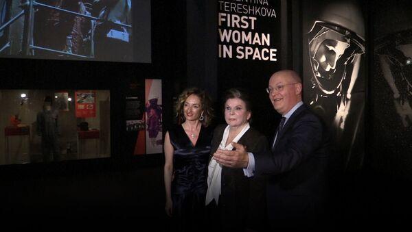 Valentina Těreškovová na otevření výstavy v londýnském muzeu - Sputnik Česká republika