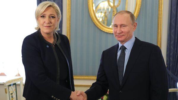 Schůzka Marine Le Penové a Vladimira Putina - Sputnik Česká republika