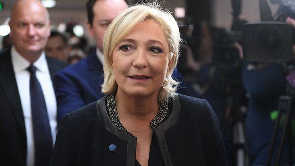 Šéfka francouzského Národního sdružení Marine Le Penová - Sputnik Česká republika
