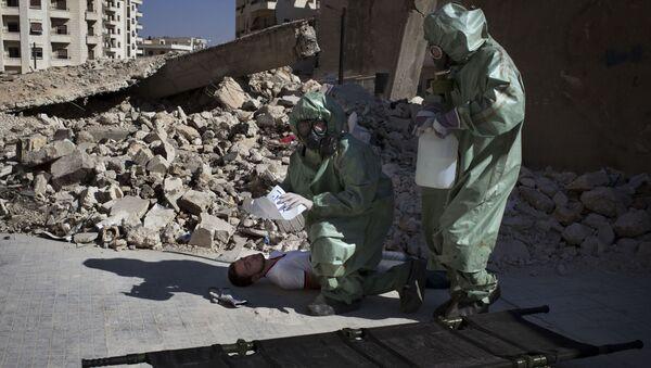 Výcvik v evakuaci obětí během chemického útoku, Sýrie - Sputnik Česká republika