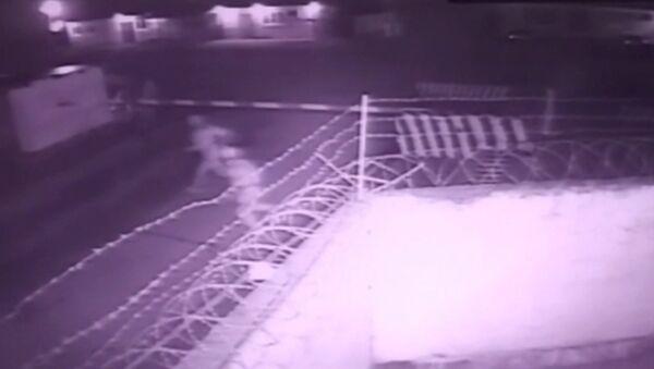 Okamžik útoku teroristů na vojenskou jednotku Národní gardy RF - Sputnik Česká republika