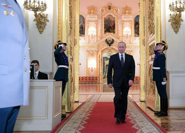 Prezident RF Vladimir Putin na ceremonii prezentace důstojníků jmenovaných na vyšší velitelské posty - Sputnik Česká republika