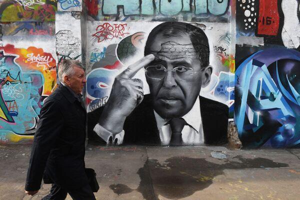 Graffiti s portrétem ministra zahraničí RF Sergeje Lavrova v Moskvě - Sputnik Česká republika