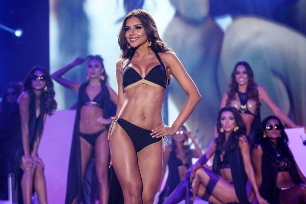 Miss Cartagena Laura Gonzalez na pódiu během finále soutěže Miss Kolumbie 2017 v Cartageně - Sputnik Česká republika