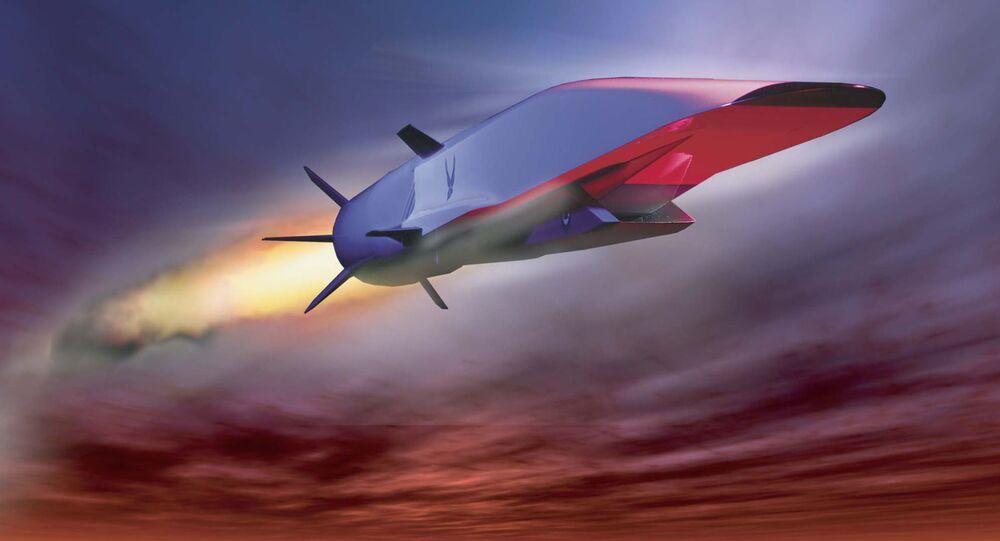 Hypersonická střela X-51A Waverider. Ilustrační foto.