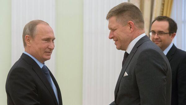 Vladimir Putin a Robert Fico - Sputnik Česká republika