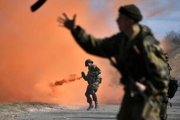 Mezinárodní taktické cvičení výsadkářů ve Vitěbsku - Sputnik Česká republika