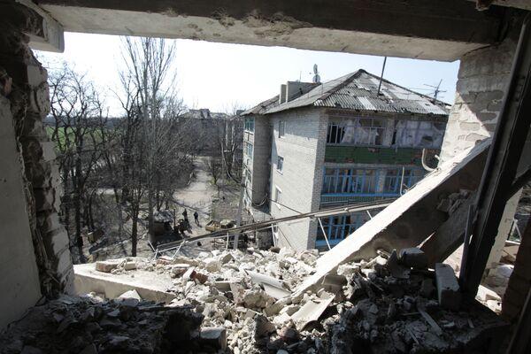 Ulice Privokzalnaja v osadě Doněck-Severnyj u frontové linie v Doněcké oblasti - Sputnik Česká republika