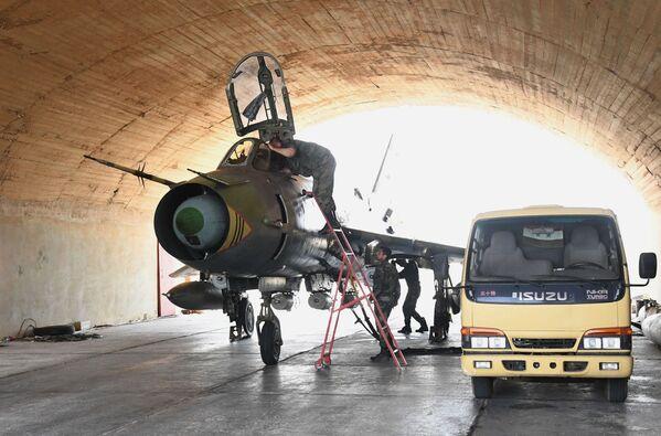 Obnovení provozu na letišti Šajrát - Sputnik Česká republika