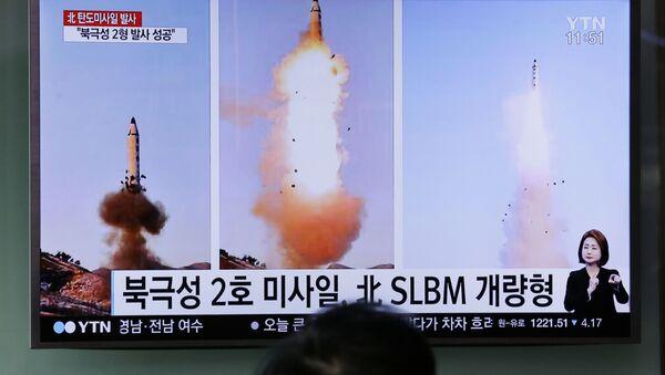 Zkouška severokorejské balistické rakety Pukguksong-2 - Sputnik Česká republika
