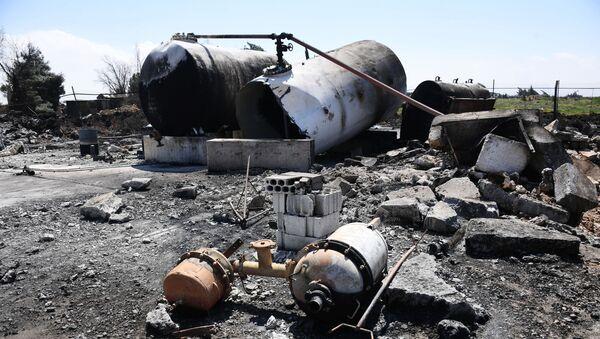 Náskeldky raketového úderu USA na zákldnu Šajrat v Sýrii - Sputnik Česká republika