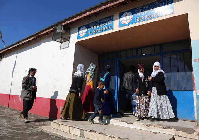 Referendum v Diyarbakiru, Turecko