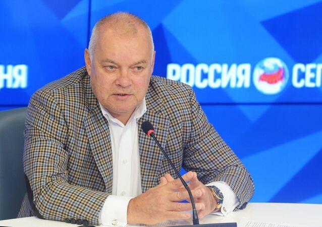 Generální ředitel MIA Rossija segodnia, televizní moderátor Dmitrij Kiseljov