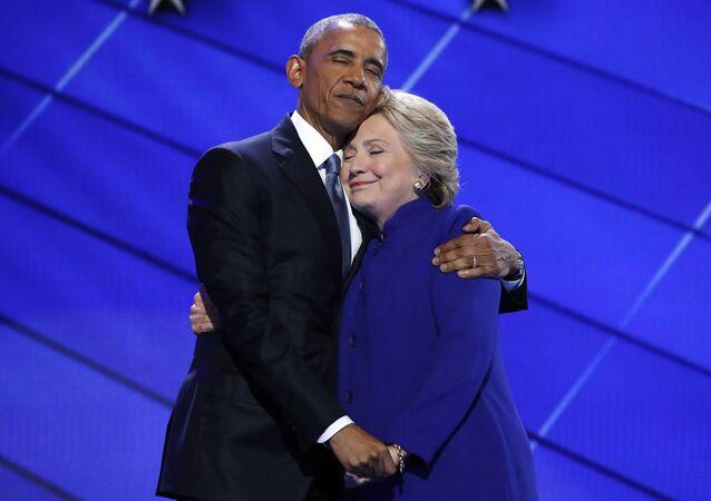 Barack Obama a Hillary Clintonová. Ilustrační foto