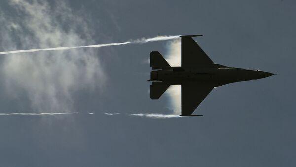 Americká stíhačka F-16 - Sputnik Česká republika