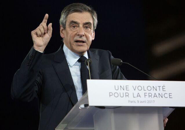 Kandidát na post prezidenta Francie za pravicově centristickou stranu Republikáni bývalý premiér François Fillon