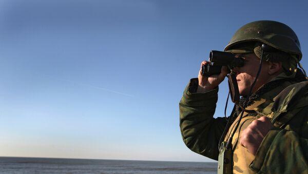 Voják s dalekohledem - Sputnik Česká republika