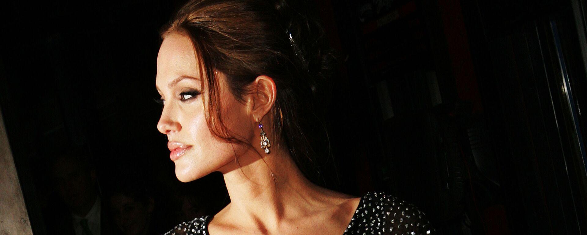 Americká herečka Angelina Jolie - Sputnik Česká republika, 1920, 05.05.2021