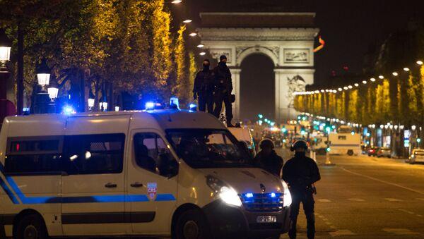 Nedaleko místa střelby v Paříži - Sputnik Česká republika