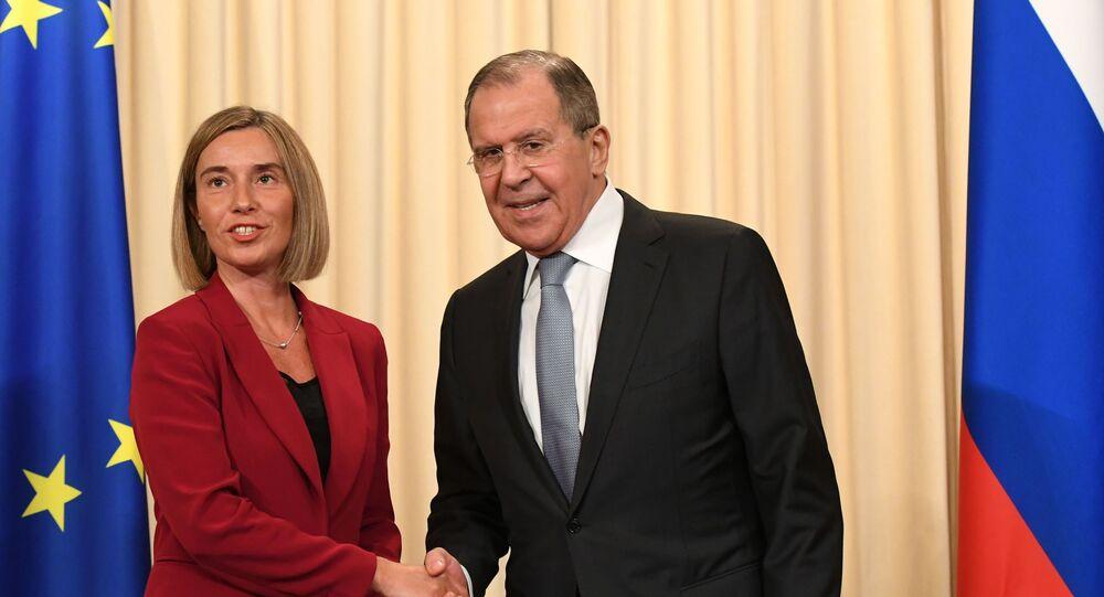 Sergej Lavrov a Federica Mogheriniová