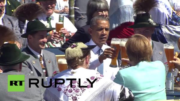 Obama v Bavorsku vtipkoval a dal si pivo - Sputnik Česká republika