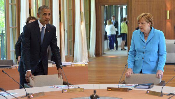 Americký prezident Barack Obama a německá kancléřka Angela Merkelová na summitu G7 v Bavorsku - Sputnik Česká republika