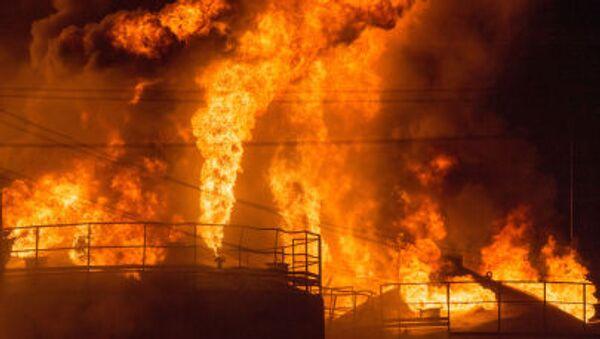 Požár v zásobnících ropy v Kyjevské oblasti - Sputnik Česká republika