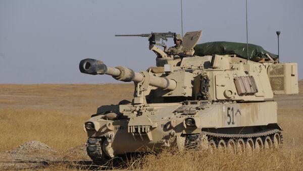 Americký tank na syrsko-turecké hranici - Sputnik Česká republika