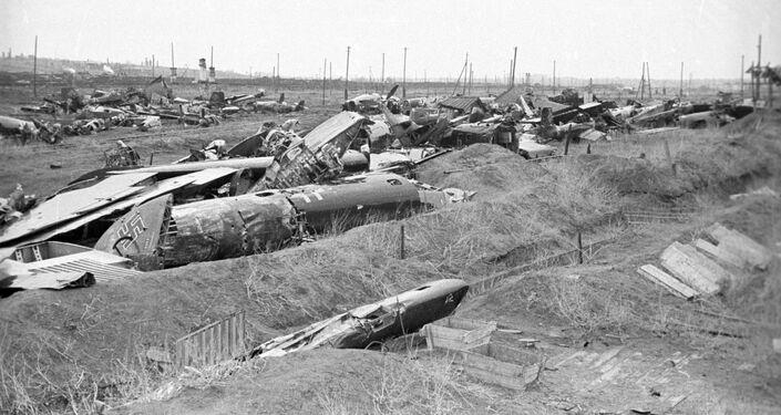 Sestřelená fašistická letadla. Bitva u Stalingradu