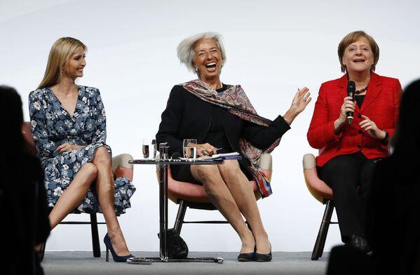 Dcera a pomocnice prezidenta USA Donalda Trumpa Ivanka Trumpová, ředitelka Mezinárodního měnového fondu Christine Lagardeová a kancléřka SRN Angela Merkelová na ženském summitu G20 - Sputnik Česká republika