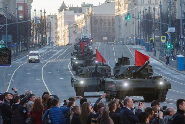Druhá zkouška přehlídky ke Dni vítězství - Sputnik Česká republika