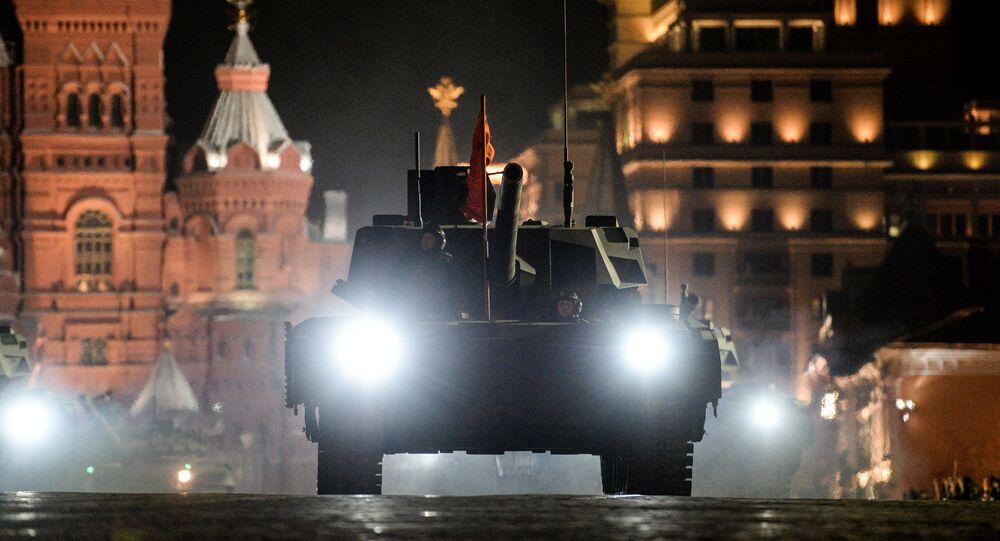 Tank T-14 na zkoušce Přehlídky vítězství
