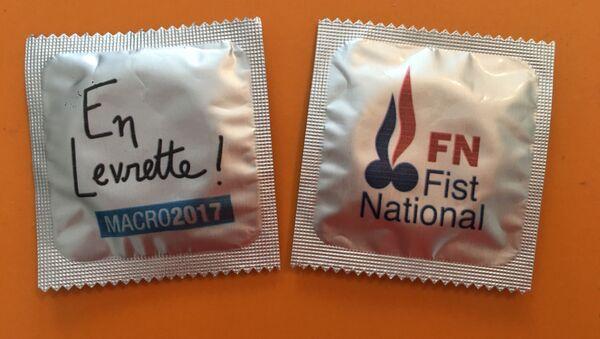Prezervativy ve stylu předvolební kampaně francouzských prezidentských kandidátů - Sputnik Česká republika