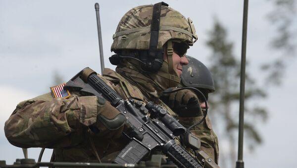 Americký voják během cvičení NATO v Estonsku - Sputnik Česká republika