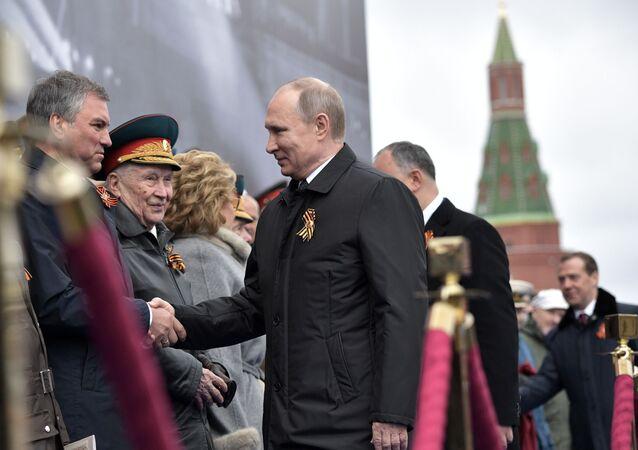 Prezident Ruska Vladimir Putin na přehlídce Vítězství v Moskvě