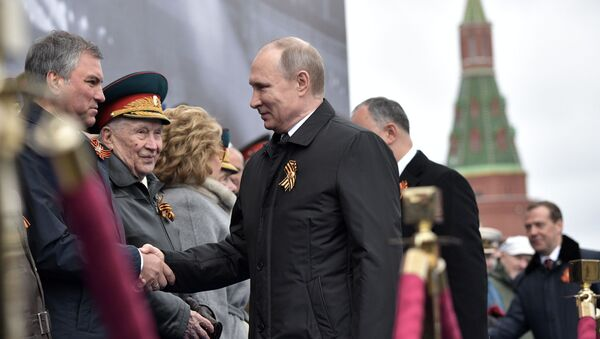 Prezident Ruska Vladimir Putin na přehlídce Vítězství v Moskvě - Sputnik Česká republika