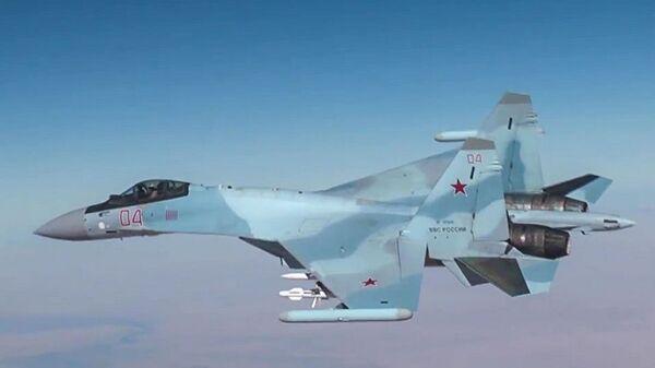 Ruská stíhačka Su-30 - Sputnik Česká republika