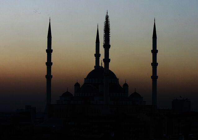 Pohled na mešitu v Ankaře